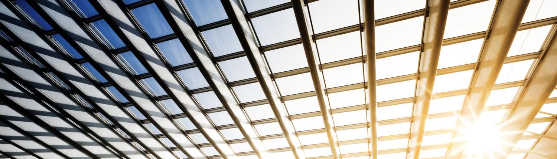 Moderen Glasarchitektur mit Beleuchtung lumextra